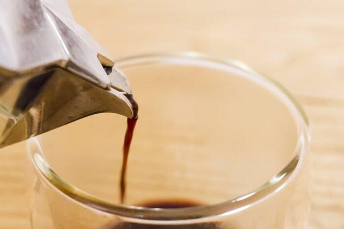 マキネッタで淹れるホットコーヒー(アメリカーノ風)のレシピ